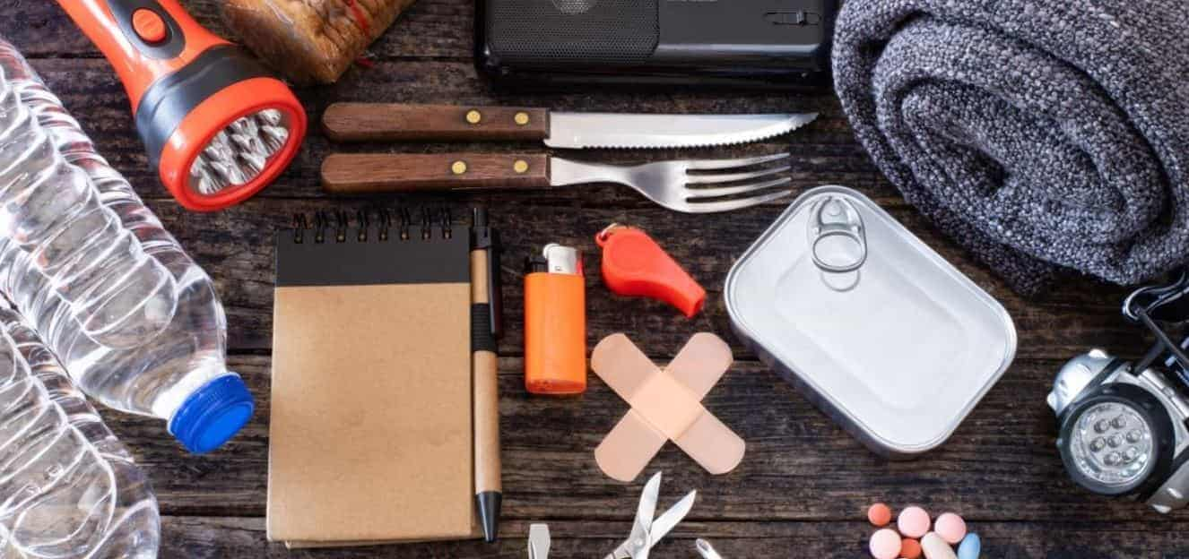 Emergency kit for cars